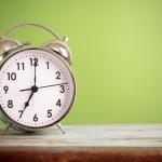 英語で時間を表現|簡単!3つの基本ルールと前置詞の使い方
