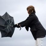 「台風」の英語|発音や語源・6つの例文とハリケーンとの違いなど