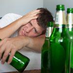 「二日酔い」の英語|すぐに使える!3つの基本フレーズ